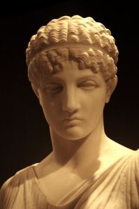 1024px-Beautiful_Greek_woman_statue